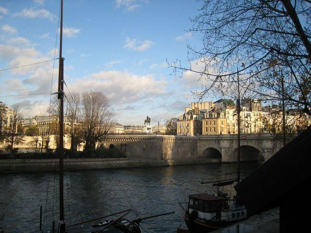 http://christian.wiroth.free.fr//ImagesOB01012010/Paris250110/Photo%20240%20%5B1024x768%5D%20%5B640x480%5D.jpg